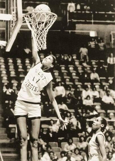7 баскетболисток, которые делали слэм-данки