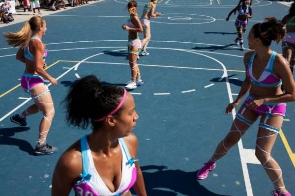 """Самые """"горячие"""" спортсменки: Less Dress Sport"""