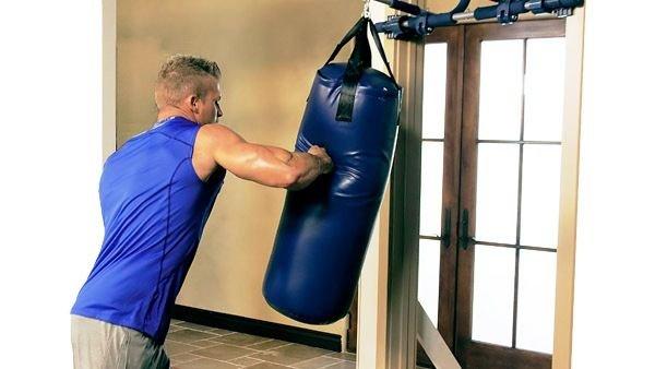 Боксерский мешок или груша: что лучше купить для дома?