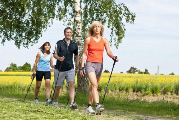 Скандинавская ходьба: путь к здоровью и активному долголетию